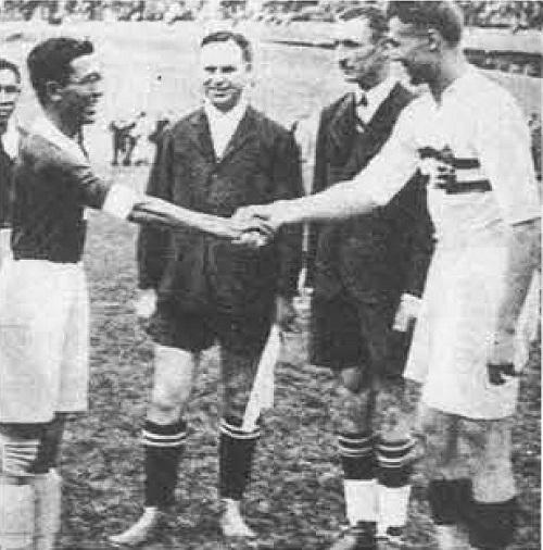 team caps III Fussballweltmeisterschaft 1938 Frankreich, Author Robert Franta (51)